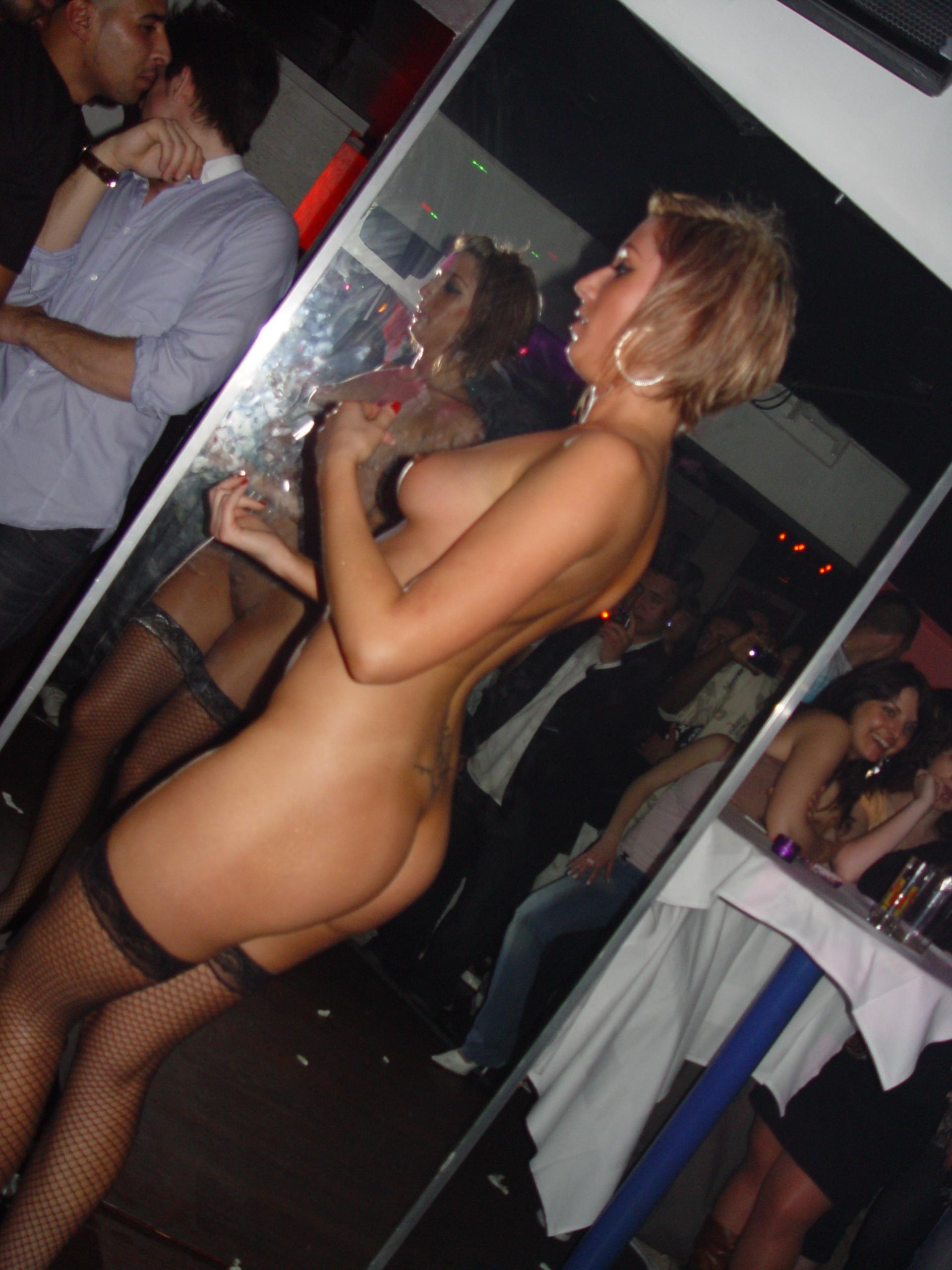 Стриптизерши в клубе фото 3 фотография
