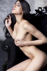 Nackt  Monika Burda Adamin Mena Suvari