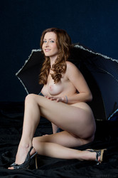 http://img55.imagetwist.com/th/04734/gvltbtnl4kc4.jpg