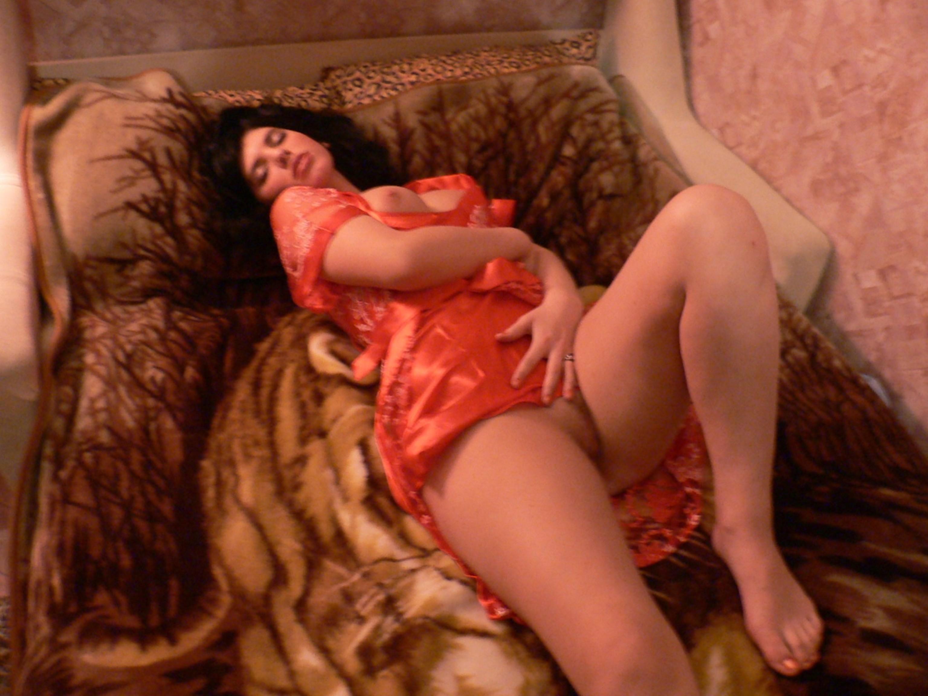 Эротический вечер смотреть, видео девушка в юбке моет полы