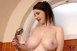 Karina Heart - Goddess In The Tub October 28, 2013w1wghsp0xi.jpg